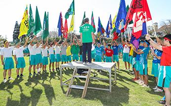 総天然芝のグラウンドで体育祭を挙行(10月)